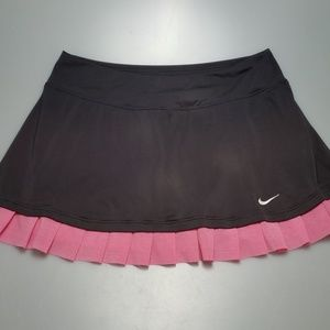 Nike shorts lined skirt size small